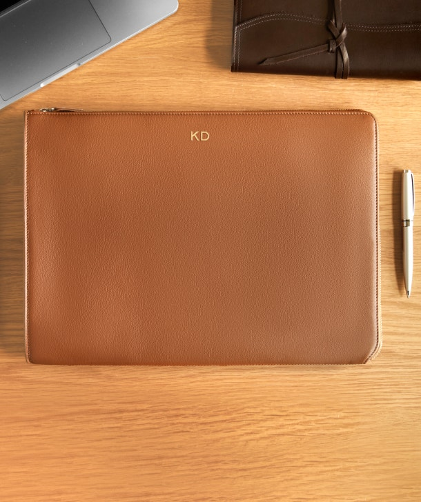 Gusseted Document and Laptop Holder: Redesigned with You in Mind